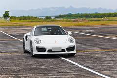 Porsche 911 Turbo S (Jeferson Felix D.) Tags: porsche 911 turbo s 991 porsche911turbos991 porsche911turbos porsche911turbo porsche911 porsche991 canon eos 60d canoneos60d 18135mm rio de janeiro riodejaneiro brazil brasil worldcars photographyu fotografia photo foto