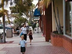 walkable La Jolla, near San Diego (courtesy of Eric Fredericks, neighborhoods.org)