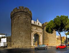 Porta Capuana, Napoli (I) (Panoramyx) Tags: italien italy panorama italia campania panoramica hdr italie itali itlia portacapuana 72oreanapoli 72hoursinnaples 72horasennpoles 72horesanpols 72heuresnaples 72stundeinneapel 72uurinnapels
