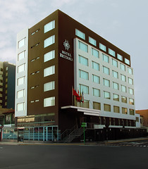 Hotel Britania Miraflores (Andr Ramrez) Tags: tourism hotel lima per fancy elegant turismo miraflores elegante britania hotelbritania