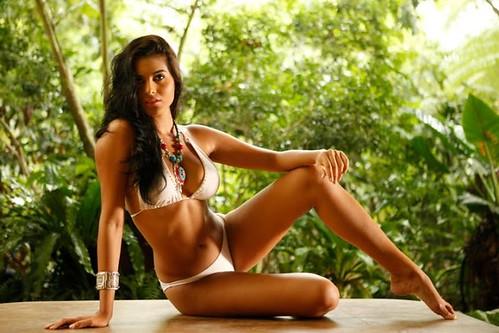 Larissa Ramos.- Miss Earth 2009