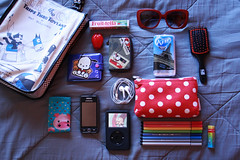 What's in my purse today? (Honey Pie!) Tags: cute apple sunglasses bag pig ipod candy wallet brush explore polkadots bolinhas purse snoopy kawaii celular pens handkerchief ameliepoulain adultswim whatsinmybag clonehigh canetas culos stabilo whatsinmypurse culosdesol pochacco poulain felixthecat amliepoulain niqueleira explored escovadecabelo fruittella lencinho gatoflix stabilopens canetasstabilo whatsinmypursetoday stabiloeraser projetoclonagem