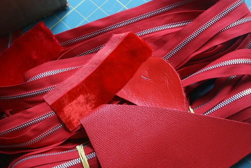 Calder red violin case materials