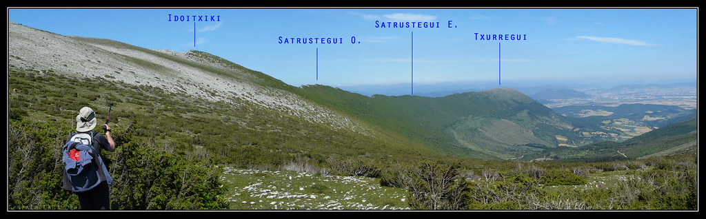 Sierra de Satrústegui desde los rasos de Andia