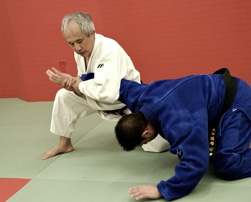 Sensei demonstrating armbar on Reuben