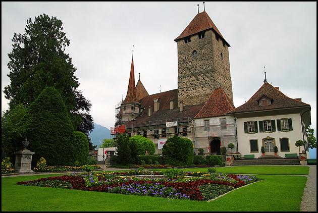 spiez-castle