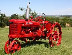 15July10 Antique Farmall tractor (114berg) Tags: tractor canon lens illinois antique tamron 28300mm farmall ih xsi galena 15july10