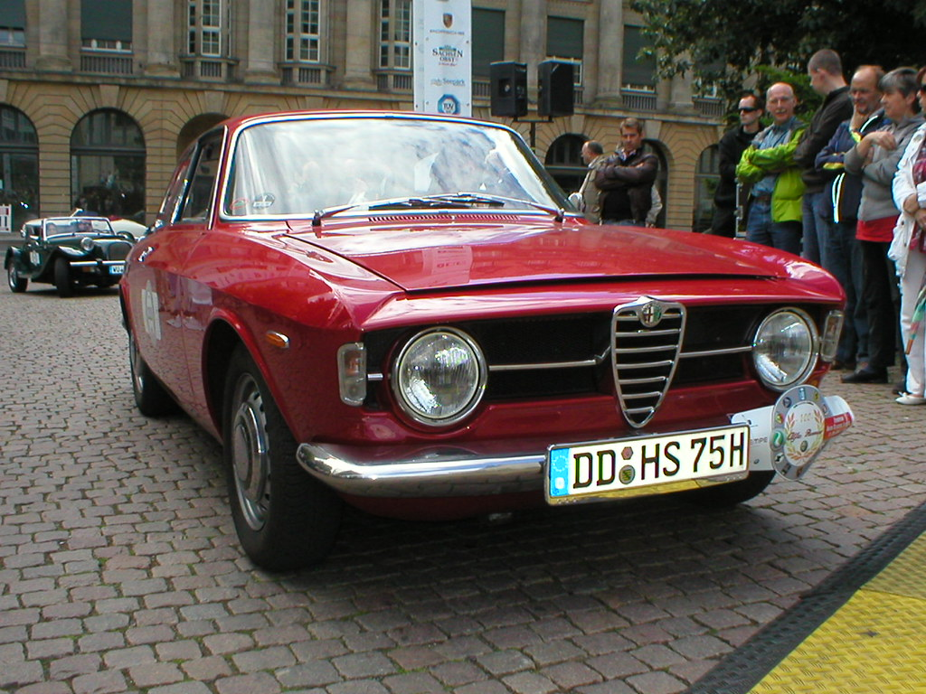 "Alfa Romeo ""Bertone"" GT 1300 Junior - Scalino (1965 - 1974)"
