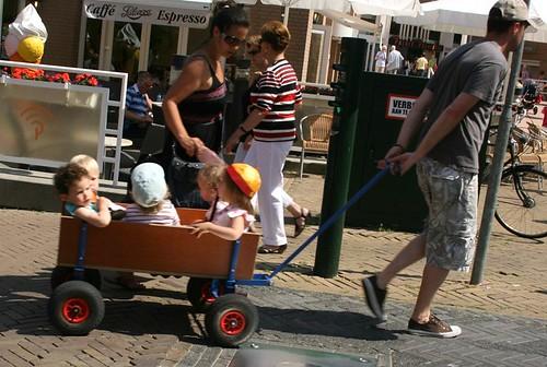 Niños en carrito