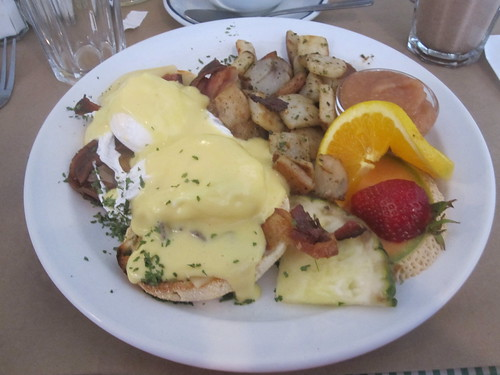 Eggs Benedict at Dame tartine
