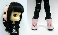 (Creo tu mundo) Tags: pink music black punk doll dolls gothic dal korean stupid headphones groove lamento sooni colection