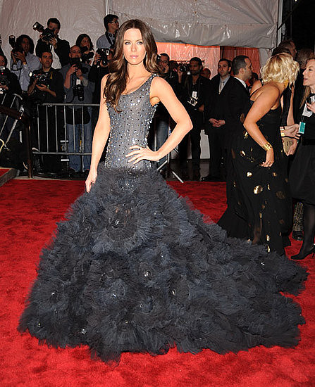 kate_beckinsale_marchesa