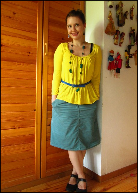 15.7.10: yellow and turquoise