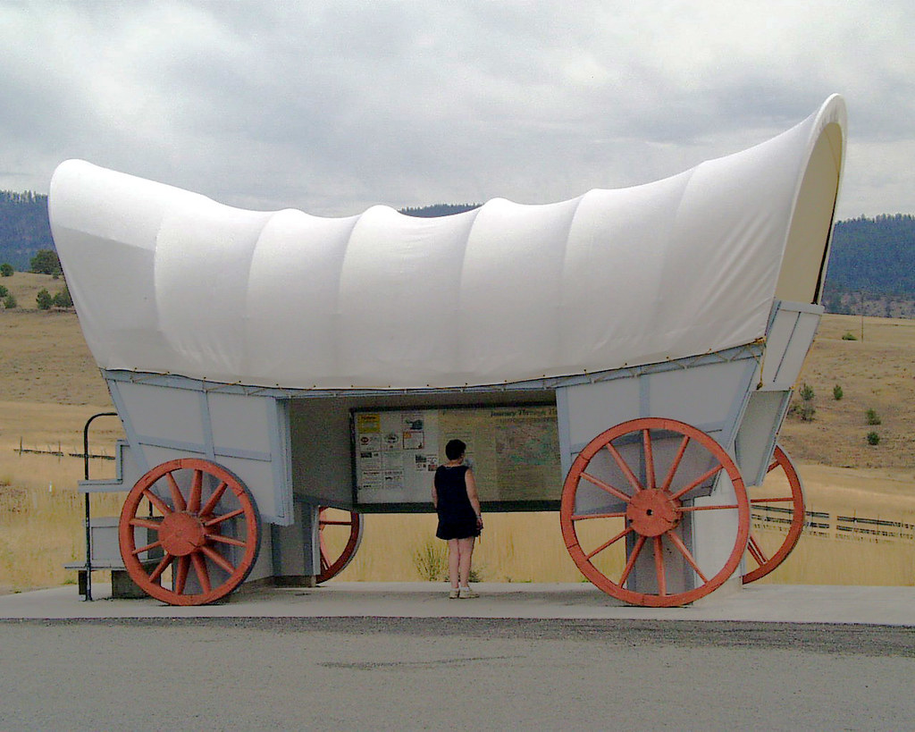084 Oregon, Highway 26, Viewpoint NE of Prairie City - Pauline Inside Conestoga Wagon Information Centre