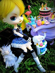 Alice's tea party (miss_skittlekitty) Tags: bunnies dolls cheshire alice dal pullip rement wonderland madhatter teaparty whiterabbit junplanning taeyang petiteluxury