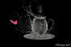 un caf? (Santiago Ssss) Tags: coffee canon cafe agua negro balloon estudio un tamron plato taza humo fondo globo jarra 70300 explotar 1000d