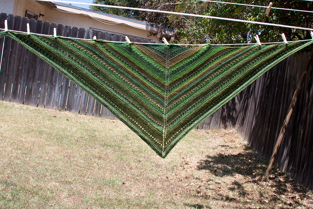 LaLa's Simple Shawl 2