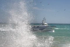 Barco de Arrastre entrando en el Puerto de Benicarló