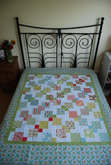 Verna Quilt - Disappearing 9-patch (SilviaLaGataConBotas) Tags: moda verna charmpack disappearing9patch whitesashing katespain