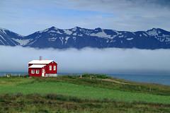 Fallega rauða húsið út við fjörðinn (icecold46) Tags: