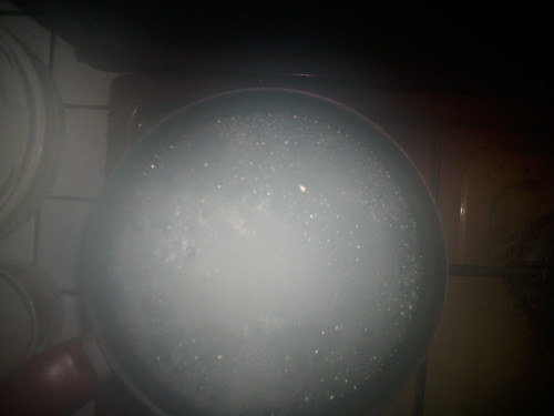 l'eau bouillante fait beaucoup de fumée
