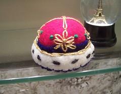 Crown Pin Cushion (Gviolet2010) Tags: king pin royal pins queen crown etsy needles cushion upcycle pincushions1