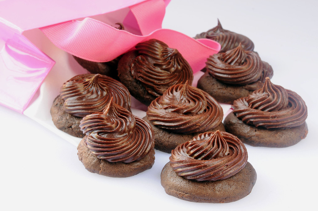 Chocolate Cupcake Tops_posta