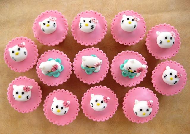 Hello Kitty Cupcakes Themed Set