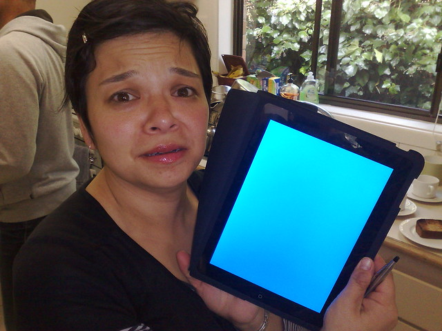 iSad - my sister's iPad gets a Blue Screen of Death