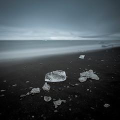 Iceland - Jkulsrln (Mathieu Noel) Tags: ocean ice blacksand iceland atlantic iceberg atlanticocean sland glace islande jkulsrln skaftafell vatnajkull hfn hringvegur inspiredbyiceland