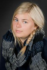 Gini 4 (Stephan (kakofonie)) Tags: blue girl eyes young teen blonde teenager ponytail stephan meisje blondje bej paardestaart flashsplash fouquaert