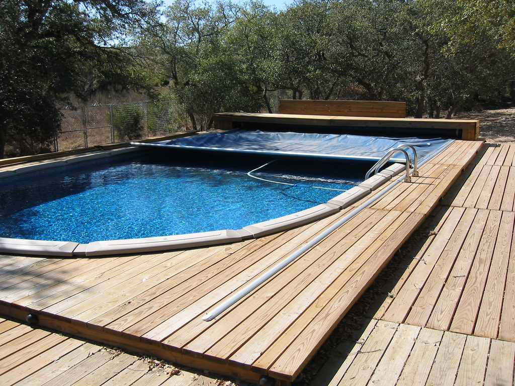 Above Ground Retractable Pool Cover - Bulverde, TX