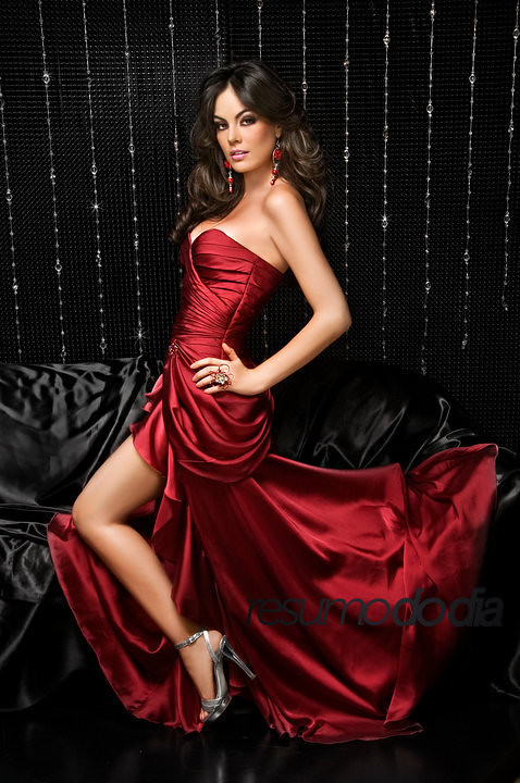 Miss Jimena Navarrete red dress