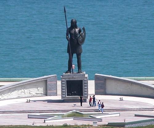 DSCN0078 Monument pour les amazones, détail