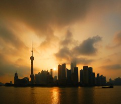Shanghai - Sunrise over Pudong (cnmark) Tags: world china light sky tower skyline clouds sunrise river landscape geotagged dawn hotel boat moving amazing ship cityscape shanghai famous jin scenic center shangrila aurora convention mao pearl   oriental orient pudong grattacielo financial  barge huangpu wolkenkratzer   lujiazui rascacielo gratteciel swfc   arranhacu  allrightsreserved    pearloftheorienttower tripleniceshot mygearandmepremium mygearandmebronze mygearandmesilver mygearandmegold mygearandmeplatinum mygearandmediamond  geo:lon=121486538 geo:lat=31238071 aboveandbeyondlevel4 aboveandbeyondlevel1 flickrstruereflection1 flickrstruereflection2 flickrstruereflection3 flickrstruereflection4 flickrstruereflection5 aboveandbeyondlevel2 aboveandbeyondlevel3