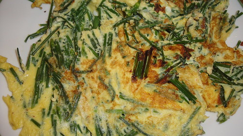 Omelet with chive flower buds 韭菜花炒蛋