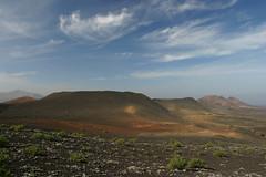 Lanzarote: parco vulcanico di Timanfaya (J&Konrad) Tags: lanzarote canarias spagna islascanarias atlantico volcan timanfaya canarie vulcani