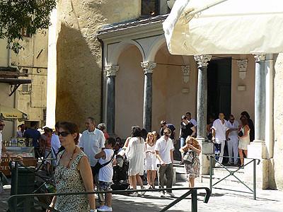 sortie de l'église de Bastia.jpg