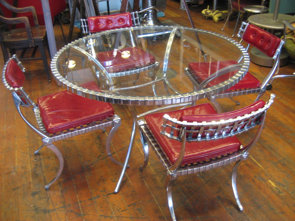 Thinline Cast Aluminum Dining table and chairs