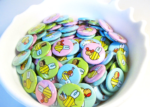 Honey's Salon Bee Badges 1