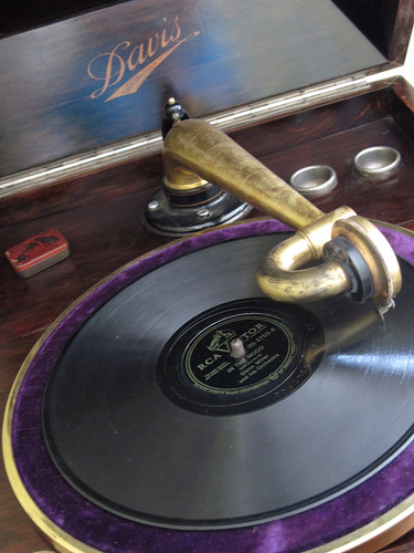 Davis Phonograph Turntable & Stylus