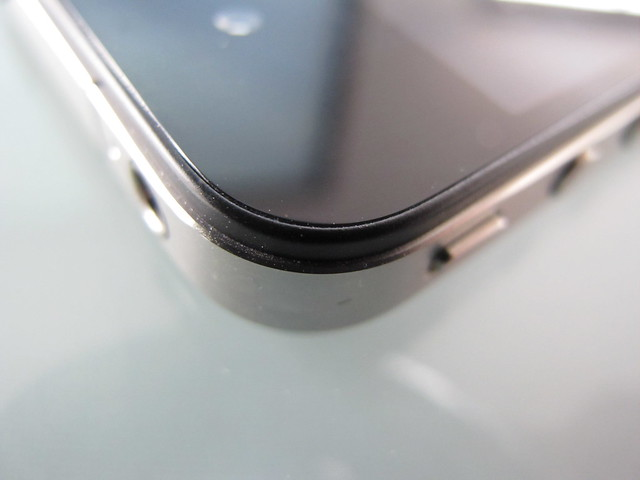 iPhone 4 screen bezel