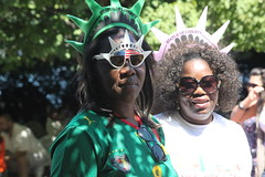 A couple of Statue of Liberty wannabes (Hazboy) Tags: new york city usa apple statue america liberty libertad whoopi us big manhattan landmark icon historic jersey estatua oprah estatuadelalibertad hazboy hazboy1