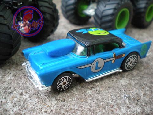 "Racing Champions ""Street Wheels"" diecast 1:64 scale - 'Teenage Mutant Ninja Turtles' 5 pack :: 1957 Chevy - Leonardo i (( 1999 ))"