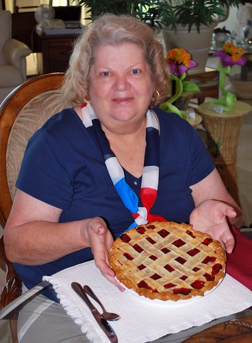 Miss Bee & Her Delicious Cherry Pie