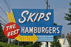 Skip's Neon, Merrimac, MA (esywlkr) Tags: sign restaurant neon massachusetts hamburger roadside merrimac independentlyownedrestaurantsma