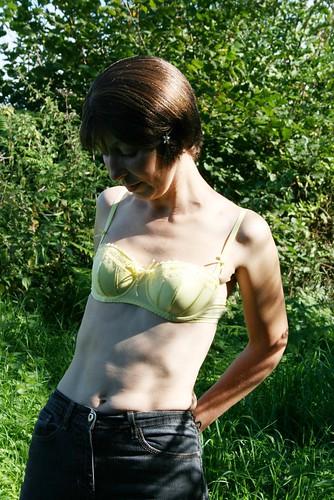 removing women bra shop boobs pics: womeninbras