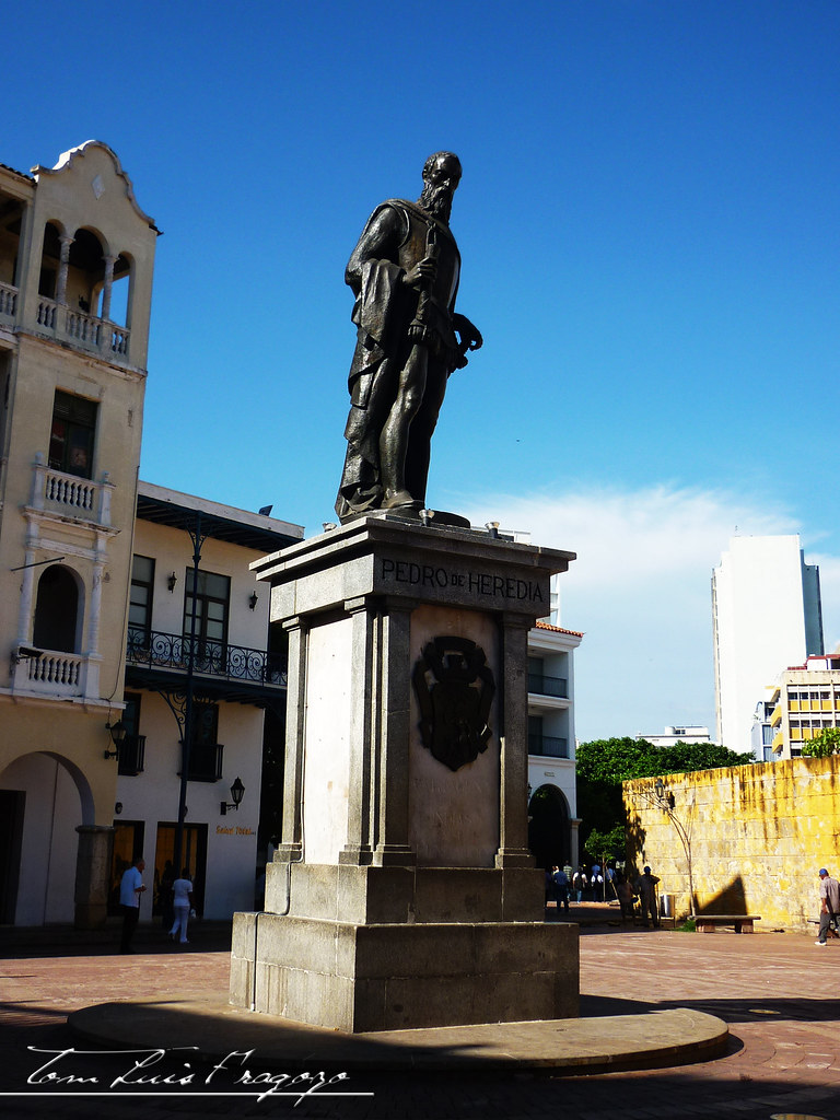 estatua pedro de heredia