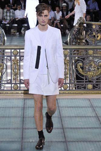 SS11_Paris_Raf Simons0009_Oskar Tranum(VOGUEcom)