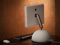 "iMac G4 15"" 700mhz (amatecha) Tags: desktop classic apple vintage computer macintosh 50mm design pc mac graphics g4 dof tech osx olympus retro computing workstation lcd flatpanel powerpc imacg4 macos9 fourthirds prokeyboard om50mm e410"